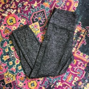 Aerie Gray Marled Play Pocket Leggings